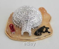 2002 ESTEE LAUDER Jeweled Compact Frosted Igloo Pleasures Solid Perfume Rare