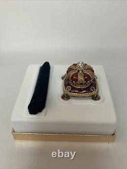 2002 Estee Lauder Jay Stronger Bejeweled Crown Pleasures Perfume Solid Compact