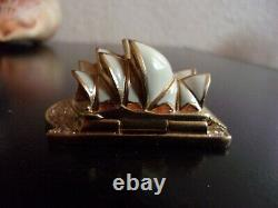 2006 Estee Lauder White Linen SYDNEY OPERA HOUSE Solid Perfume Compact WithPOUCH
