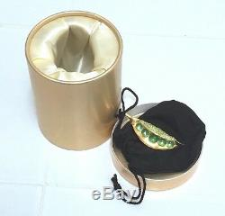ESTEE LAUDER PEAS IN A POD SOLID PERFUME COMPACT in BOX CHRISTMAS GIFT RARE