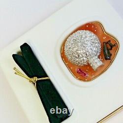 Estee Lauder 2002 Solid Perfume Compact Frosted Igloo Eskimos MIBB Pleasures