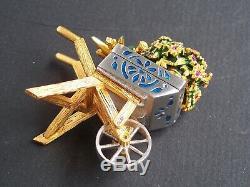 Estee Lauder 2004 Beautiful Flower Cart Wheelbarrow Solid Perfume Compact