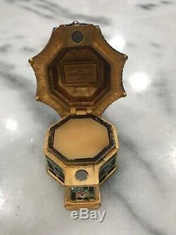 Estee Lauder 2005 Beyond Paradise Enchanting Pagoda Solid Perfume Compact Box