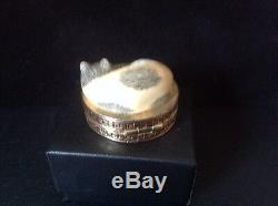 Estee Lauder Cinnabar Sleeping Cat Compact for Solid Perfume 1986 empty