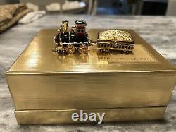 Estee Lauder Locomotive Compact For Solid Perfume