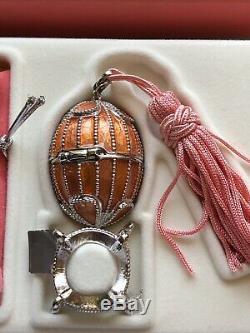 Estee Lauder Pleasures Pink Tassle Egg & Black Tassle Egg Perfume Compact