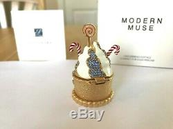 Estee Lauder Solid Perfume Compact 2018 Gingerbread Cottage Nib Modern Muse