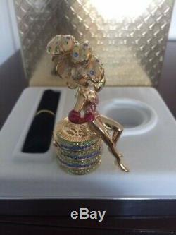 Estee Lauder Solid Perfume Compact Las Vegas Showgirl, 2003