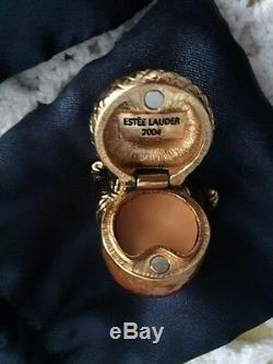 Excellent 2004 Estee Lauder Intuition Acorn Amulet Solid Perfume Compact in box