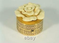 PROTOTYPE 1980 Estee Lauder WHITE CHRISTMAS CAMELLIA Solid Perfume Compact