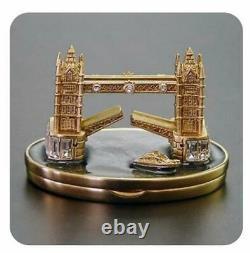2008 Pure White Harrods / Estee Lauder Lin Crossing The Thames Parfum Solide