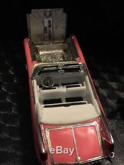 Estee Lauder 2005 Compacte De Parfum Solide Cadillac Rose Elvis Presley