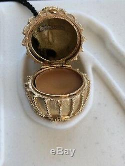 Estée Lauder Rose Pompon Oeuf Et Noir Tassle Egg Parfum Compact