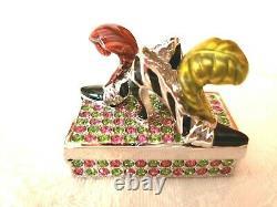 Établissement De Chaussures Beautifuses De L'établissement De 2000 Compact De Perfume Solide