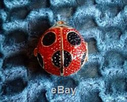 Nouveau Estee Lauder Swarovski Cristal Ladybug Lucidity Powder Compact 0.1 Est 2.8 G