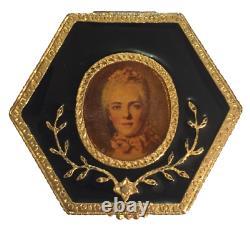 Portrait Vintage Estee Lauder Marie Antoinette Transparent Powder Compact