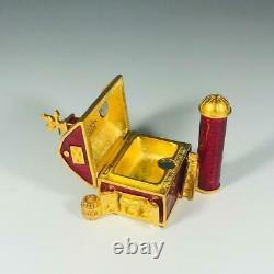 Prototype 2003 Estee Lauder Pleasures Little Red Barn Solide Parfum Compact