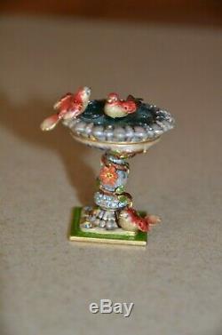 Rare Jay Strongwater Estee Lauder Compact Précieux Oiseaux Birdbath Émail Figurine